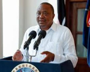 President Uhuru Kenyatta apologizes for police excesses during curfew