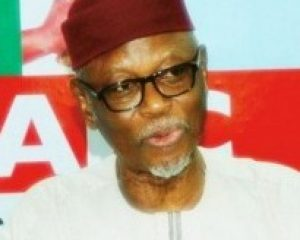Oyegun: GEJ not maintaining dignity after leaving office